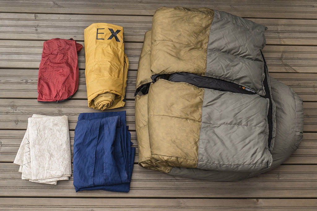 Sleep system for a winter hike laid out