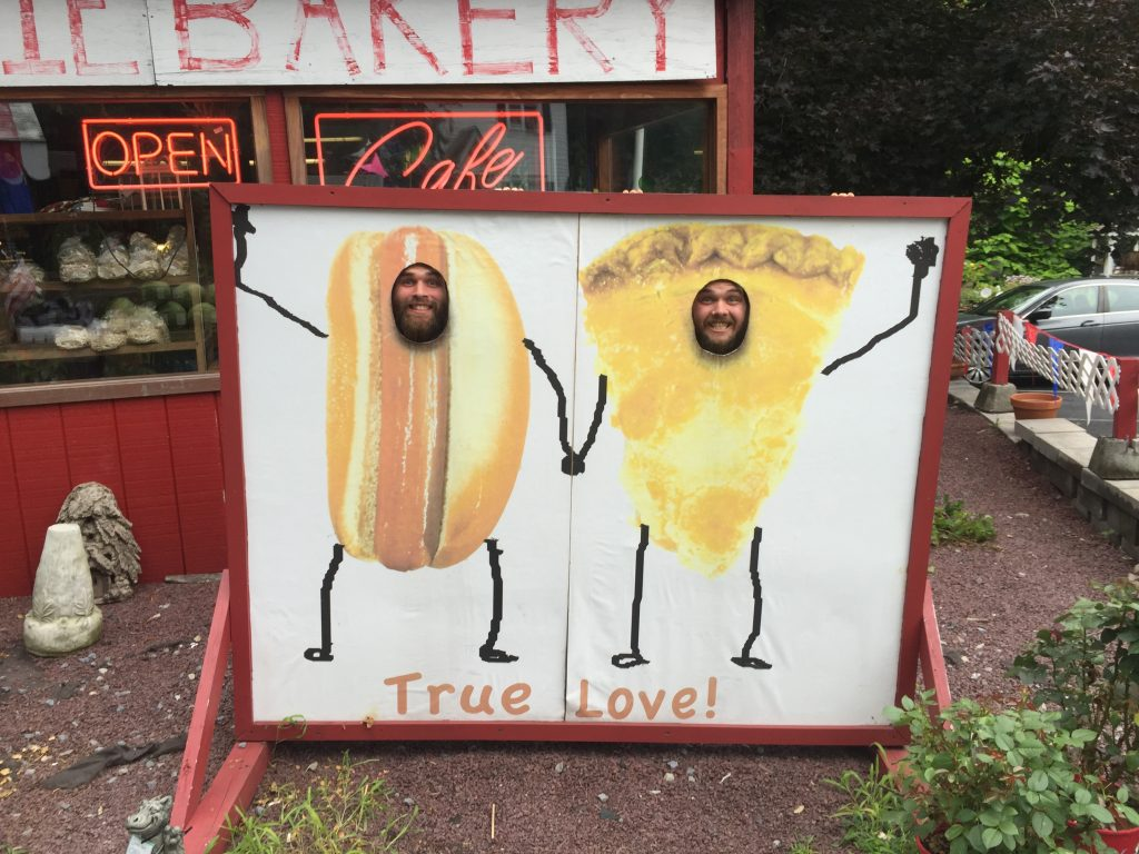 pie and cheesebeard posing on the appalachian trail