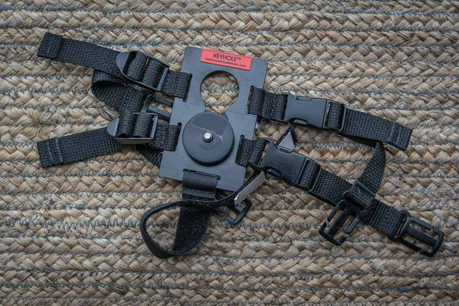 safely carry your camera when hiking with the keyhole camera strap